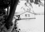 lake_house_b&w_1011.jpg